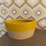 bloempot geel met grijs