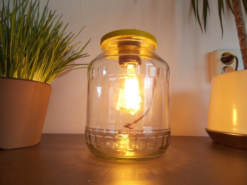 stoere industriële tafellamp