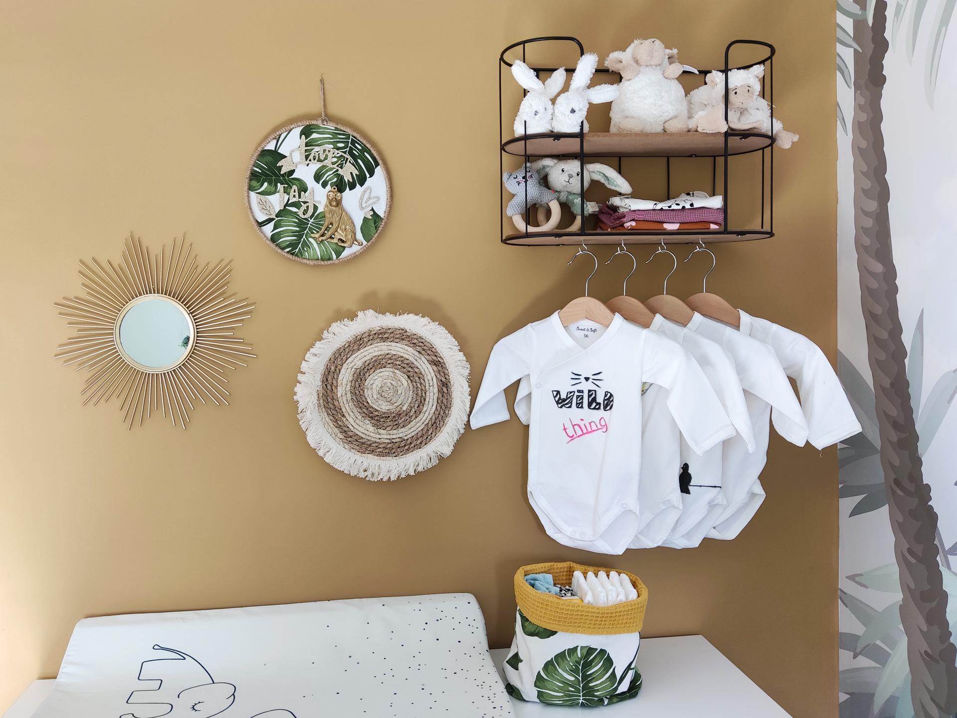 babykamer jungle thema commode decoratie